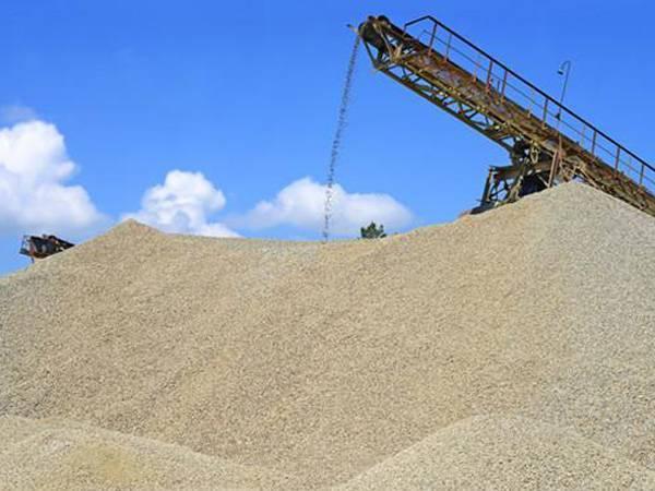 鹅卵石制成的沙子能用来建房吗?听听包工头怎么说的