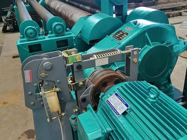 四辊加二机械普通卷板机