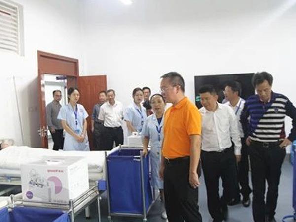 杨胜跃副市长在我校召开现场办公会