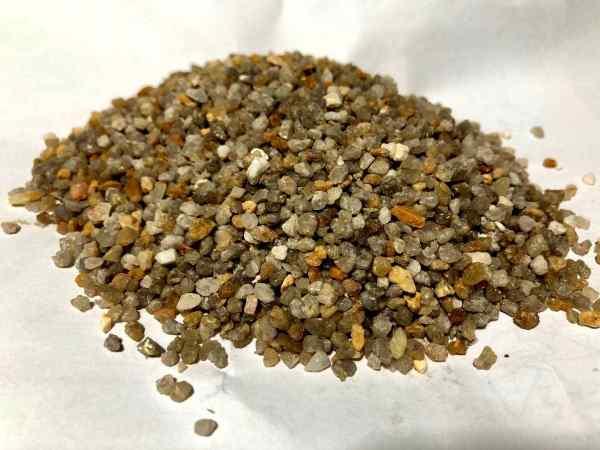 2-4mm石英砂