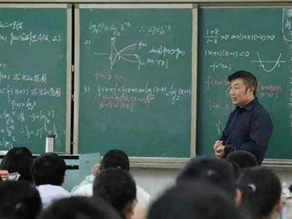 我校举行骨干教师示范课活动
