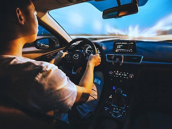 会刹车的才是好司机!各种环境下的刹车技巧