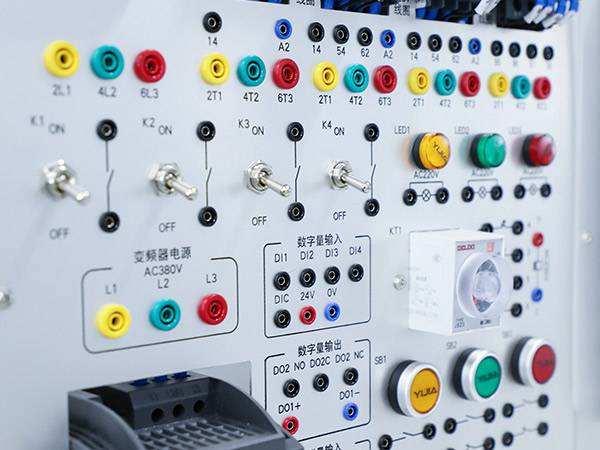 变频器在注塑机上的应用