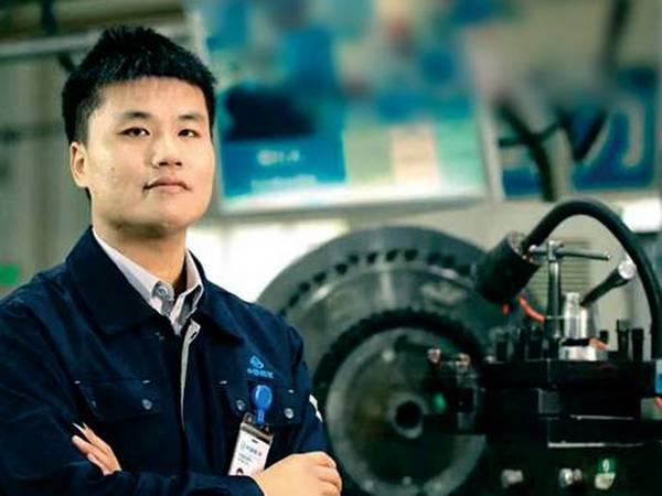 卢骏,中国航发南方公司劳动模范。