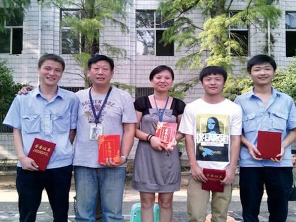 技能大赛部分获奖学生与指导教师
