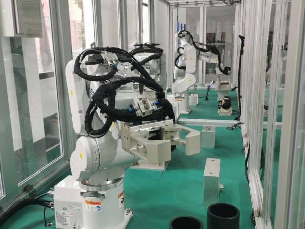 机器人手臂装配