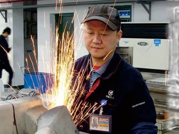 魏强,享受国务院津贴,技能专家。