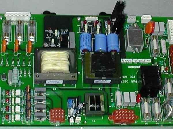 海宝气体控制箱电源分配板维修展示
