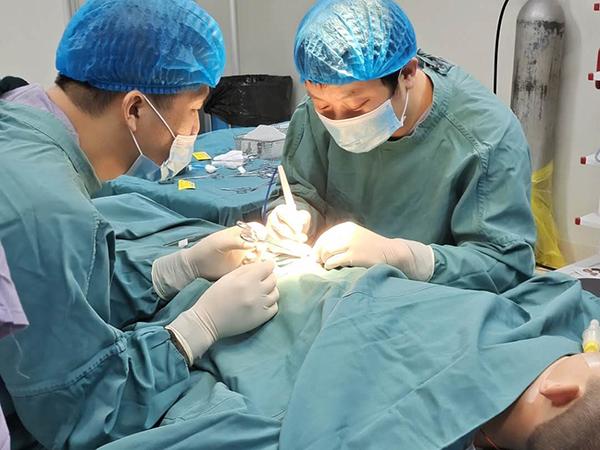 小儿难露尖尖角 明仁小儿外科成功完成一例隐匿性阴茎矫形术