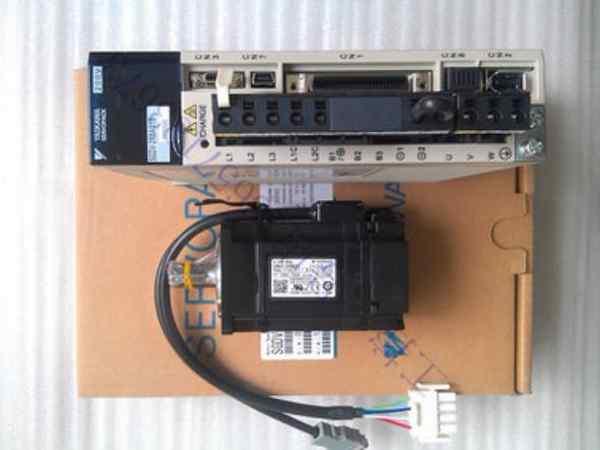 安川伺服驱动及电机维修展示