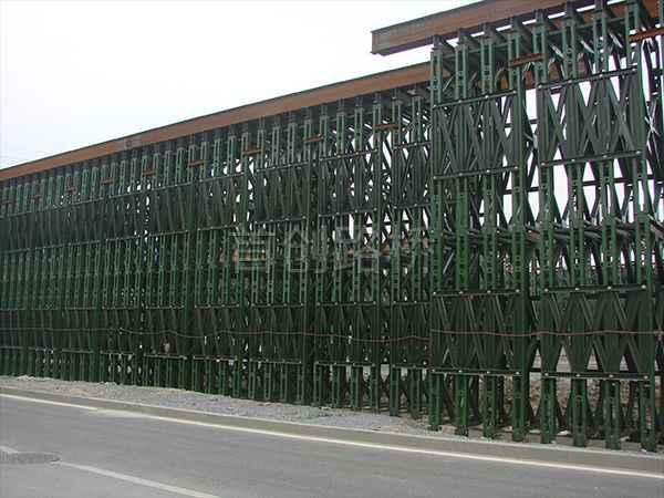 北京南站贝雷桥墩1