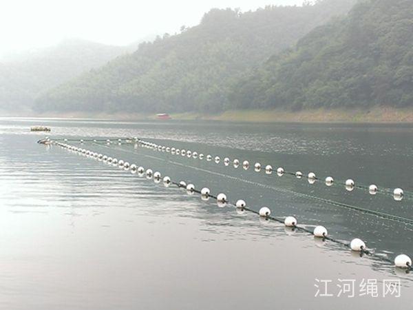 云南昭通水库深水网泊