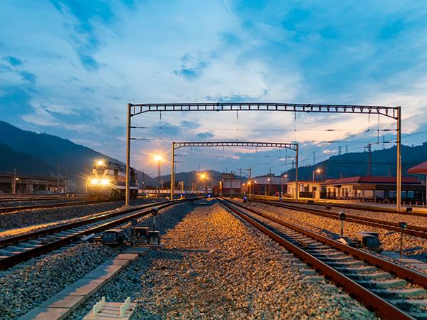 铁路铺轨架梁工程