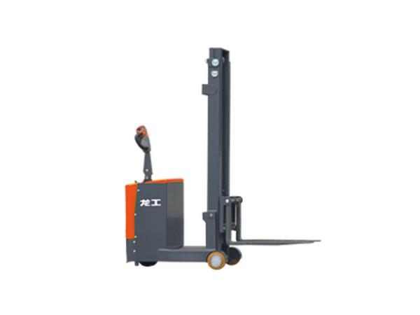 LG05-07ES平衡重式堆高車(經濟款)
