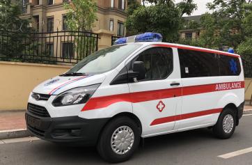福特新全顺V362中轴低顶监护型救护车