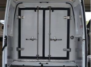 江铃特顺短轴中顶双排座疫苗冷藏车