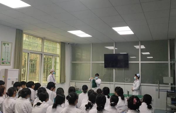 我校开展护理专业综合实践技能教学观摩和交流活动