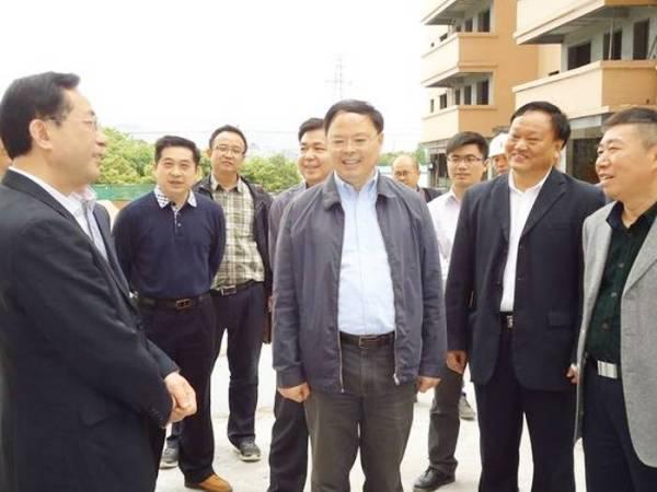 市长赵应云陪同张剑飞副省长视察刘霖云箭嘉苑项目