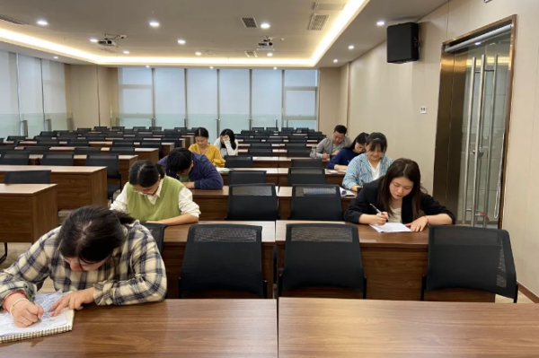 公司举行2021年度初级造价师升级考试